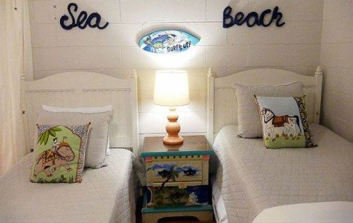 twin beds at tybee twins cottage, mermaid cotttages on tybee island ga