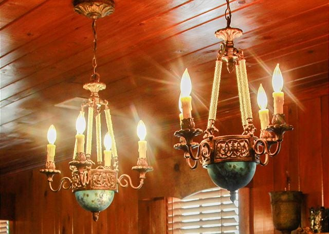 vintage chandeliers at Southern Cross Cottage