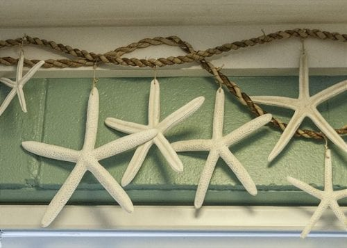 starfish decorations at mermaid cottages