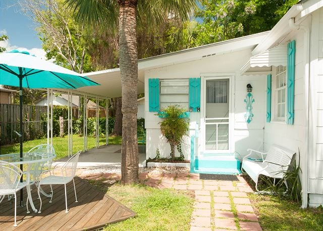 sanfords place cottage has a beautiful white Tybee Island door.