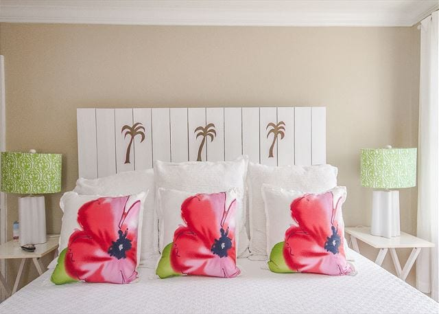 who wouldn't love to sleep with palm trees dancing overhead