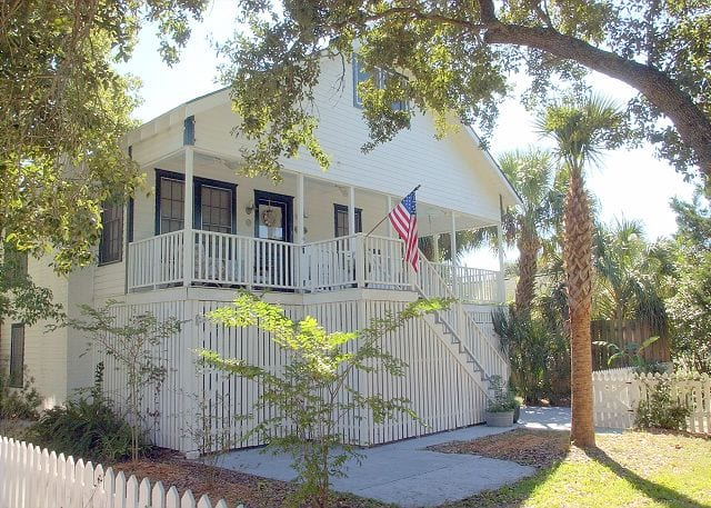 Dutton-Waller Cottage is available for Labor Day