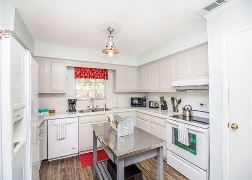 sea largo cottage kitchen
