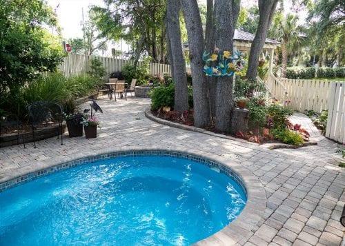 summer fun at whispering palms pool