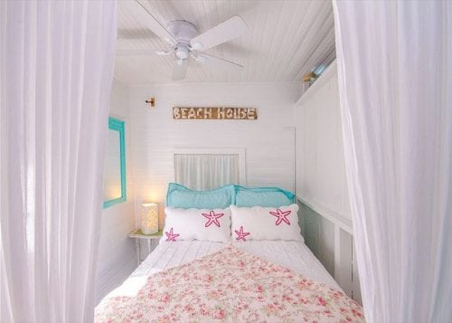 old love's beach house bedroom