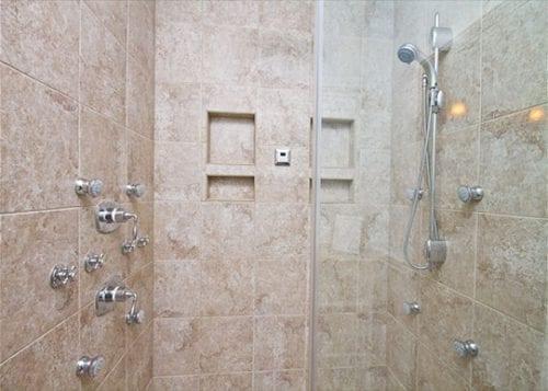 the spa shower at blue heron cottage