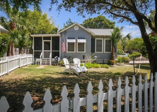 pet friendly blue heron cottage