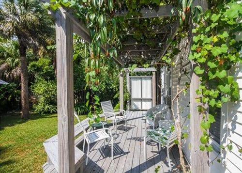 tybee daze cottage back deck