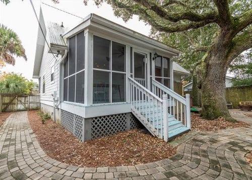 live oaks back porch