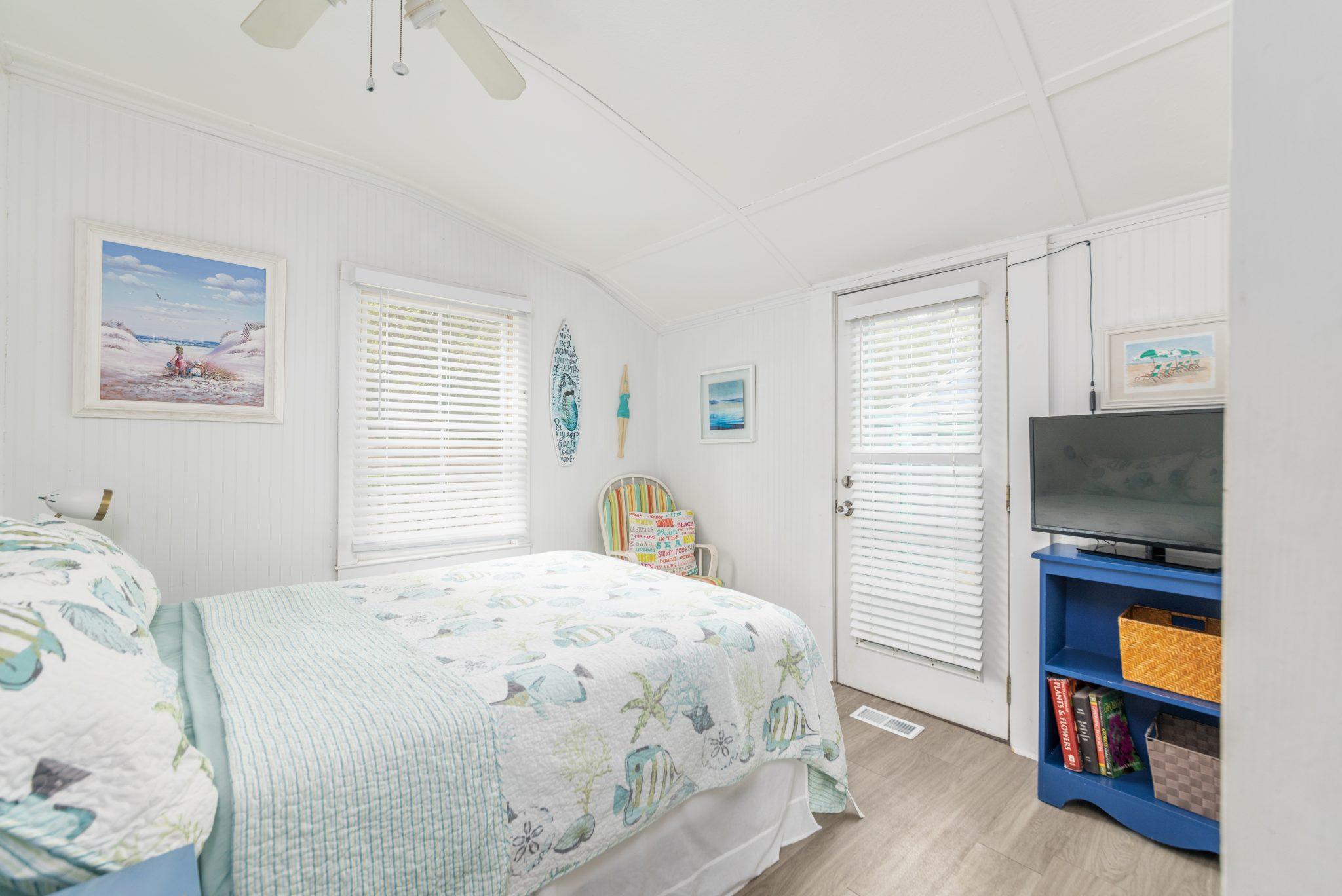 fish camp queen bedroom
