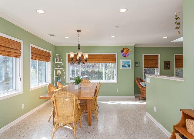 marigold cottage dining area