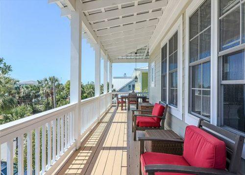 Vitamin Sea Cottage upper porch